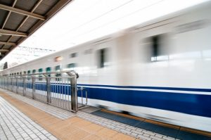 動く新幹線