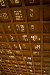 お寺の天井