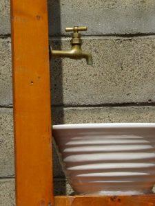 水桶と蛇口